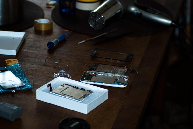 Tous les outils visibles sur la table